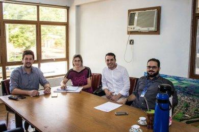 Administração Municipal e SEBRAE alinham parceria para projeto pioneiro no município.