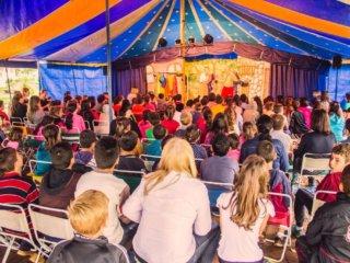SMECT – Teatro de Lona na Praça Arthur Ritter de Medeiros em comemoração ao Dia da Criança.