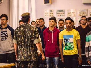 Juramento à Bandeira dos jovens dispensados do Serviço Militar.
