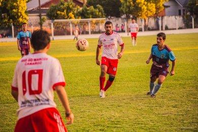 Equilíbrio entre as equipes marca a primeira rodada do Municipal de Futebol em Espumoso.