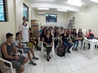 Secretaria Municipal de Saúde promove ciclo de palestras sobre adolescência, sexualidade e doenças sexualmente transmissíveis.