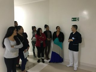 """SAÚDE   SMS apresenta novas instalações do Centro Obstetrício do HNDSS às gestantes do grupo """"Espumoso é Vida""""."""