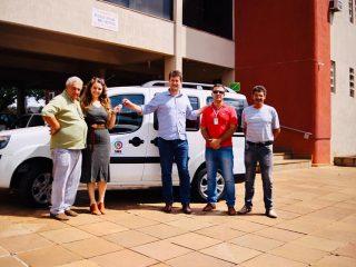 SAÚDE   Prefeito Douglas Fontana entrega mais um veículo para a Secretaria de Saúde.