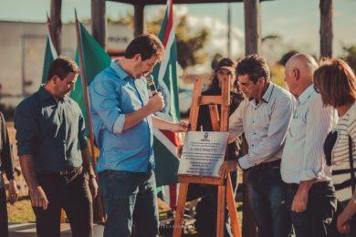 Inauguração da Praça Emílio Parizotto, no Bairro São Valentim.