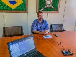 ADMINISTRAÇÃO I Prefeito Douglas Fontana anuncia fechamento dos bancos como medida de prevenção ao coronavírus