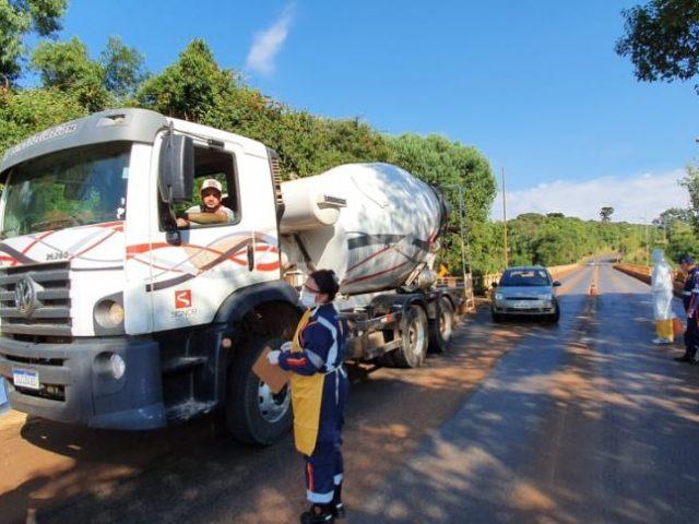 SAÚDE I Espumoso realiza barreira sanitária nas entradas da cidade para prevenir ao coronavírus