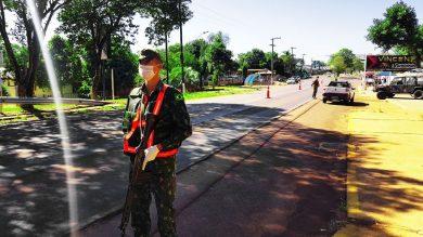 SAÚDE I Acompanhe o trabalho do exército nas barreiras sanitárias do município de Espumoso