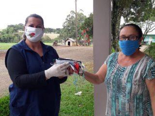 PARCEIROS DA SAÚDE  I Voluntários do interior do município confeccionam máscaras para doação
