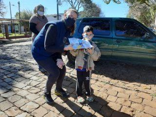 EDUCAÇÃO I EMEI Alda Alzira Rotta promoveu Drive-Thru da Saudade