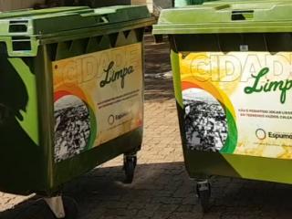 OBRAS I Mais ruas recebem contêineres de lixo em Espumoso