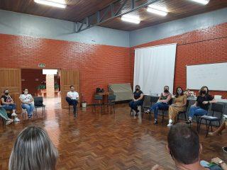 EDUCAÇÃO I Reunião orientou sobre volta às aulas de forma presencial em Espumoso