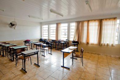 ADMINISTRAÇÃO I Governo do Estado decreta bandeira vermelha e retorno as aulas presenciais