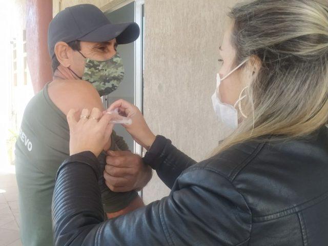 Covid-19: Pessoas acima de 50 anos começam a ser imunizadas