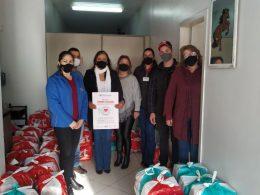 Grupo GZT entrega cestas básicas em Espumoso