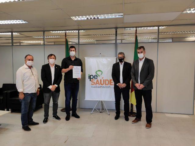 Prefeitura firma convênio com o IPE Saúde